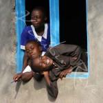 3 élèves de l'école Sena - Mfangano - KENYA
